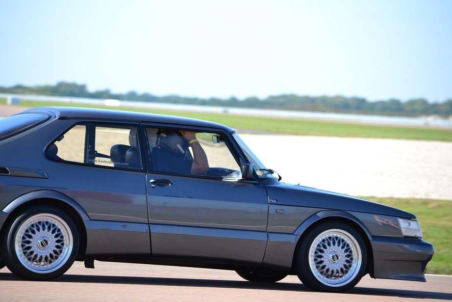 1991 Saab 900 Spg moreover Pistons Rings Connecting Rods additionally 1970 Saab 99 Heritage Collection Saab Usa likewise Saab 900 Turbo additionally Lng FR srub 112 iprod 2307 p 1v7 Jeu  plet De 4 Jantes Rbm Nid D Abeille 17 Pouces Pour Saab 900 Et 9000. on saab 900 transmission